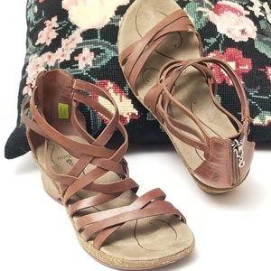 Ahnu Strappy Hurache Sandals W 7